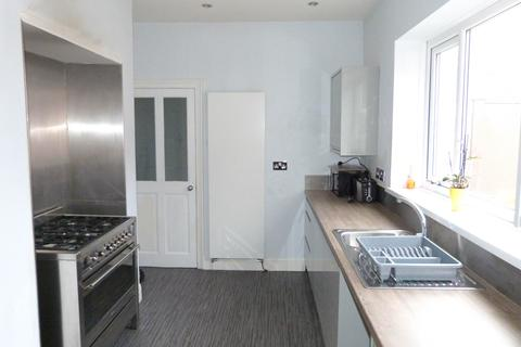 3 bedroom flat to rent - Dean Road, South Shields