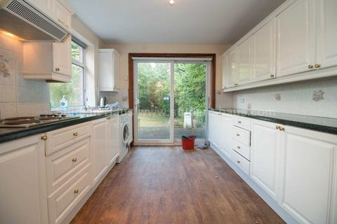 4 bedroom house to rent - Finchley Road, Manchester, M14 6FH