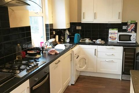 4 bedroom house to rent - Saxby Street, Salford, M6 7RG