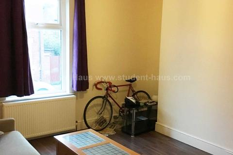 3 bedroom house to rent - Saxby Street, Salford, M6 7RG