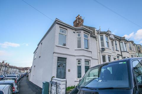 3 bedroom end of terrace house for sale - Truro Road, Ashton, Bristol, BS3 2AE