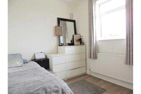 2 bedroom apartment to rent - Vale Drive, Chatham
