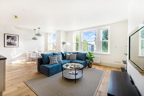 1 bedroom flat for sale - SISTERS AVENUE, SW11