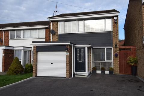 3 bedroom detached house for sale - Hazebrouck Road, Faversham