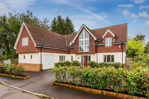 5 bedroom detached house for sale - Gloucester Close, FOUR MARKS, Hampshire