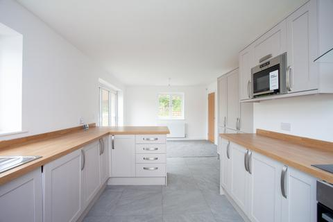 4 bedroom detached house for sale - Orama Point, Whitworth