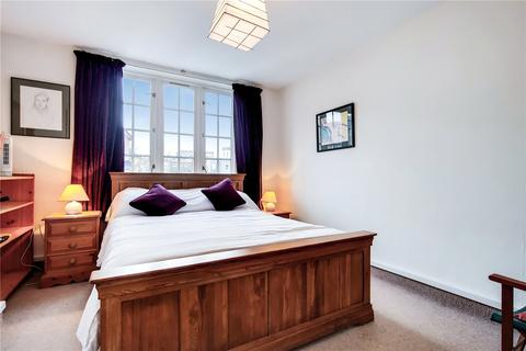 2 bedroom flat for sale - Tower Court, Frogmore, London, SW18