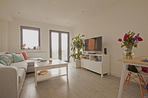 2 bedroom apartment to rent - High Road, North Finchley, N12
