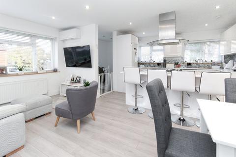 4 bedroom maisonette for sale - Campbell Croft, Edgware, HA8