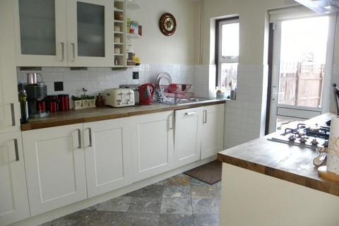 4 bedroom semi-detached house to rent - Dacres Road, London SE23