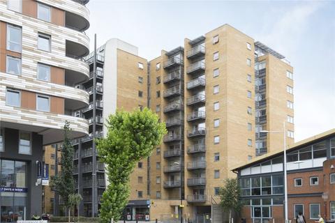 2 bedroom flat to rent - Gainsborough House, Cassilis Road, London, E14