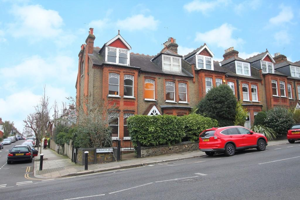 3 Bedrooms Flat for rent in Crouch Hill N8 9ED
