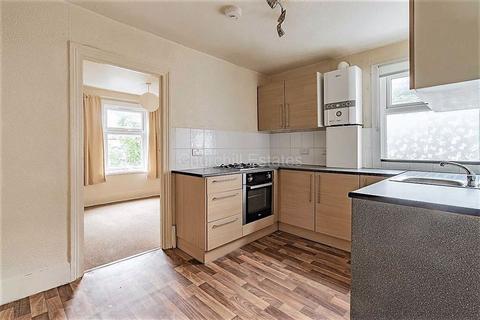 3 bedroom flat to rent - Fairlop Road, Leytonston, London