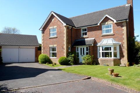 4 bedroom detached house for sale - St. Athans Walk, Harrogate