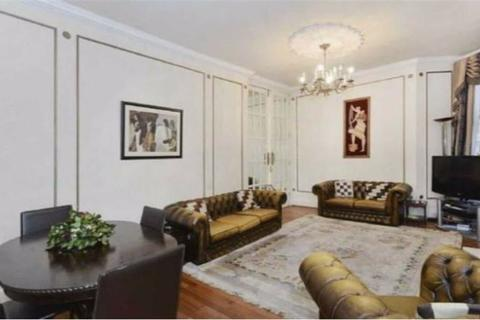 4 bedroom apartment to rent - Bickenhall Mansions, London, London