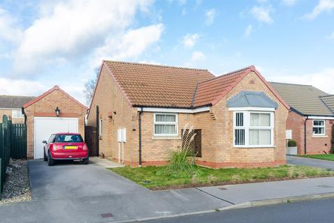 2 bedroom detached bungalow for sale - The Glade, Withernsea