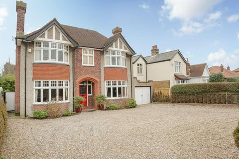 5 bedroom detached house for sale - London Road, Deal