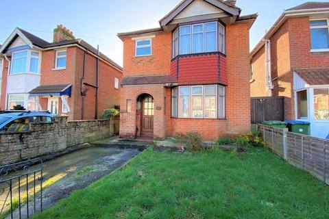 3 bedroom detached house for sale - Langhorn Road, Swaythling, Southampton