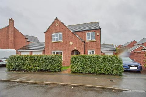 4 bedroom detached house for sale - Towers Drive, Hinckley