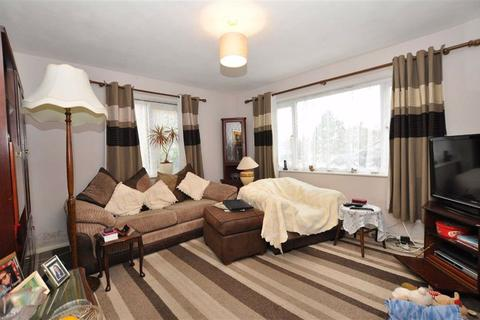 3 bedroom flat for sale - Charles Court, Charles Street, Warwick
