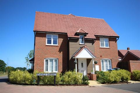 3 bedroom semi-detached house for sale - Banfield Gardens, Henfield