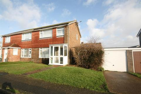 2 bedroom semi-detached house for sale - Bramber Close, Peacehaven