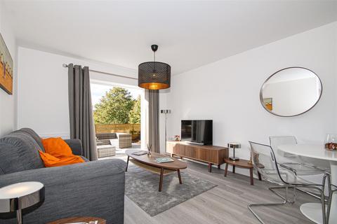 2 bedroom flat for sale - SUPERB SPECIFICATION | Haywards Heath