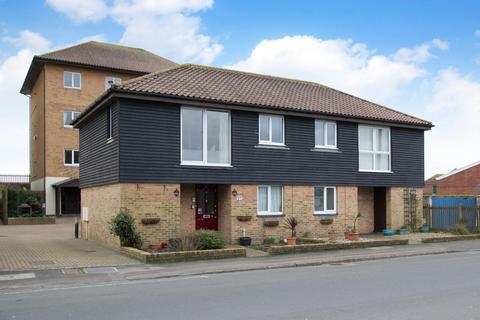 2 bedroom semi-detached house for sale - South Road, Hythe