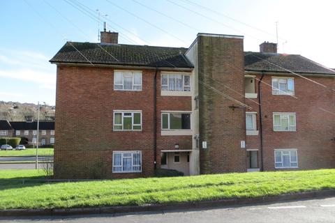 3 bedroom flat to rent - Selsfield Drive, Brighton