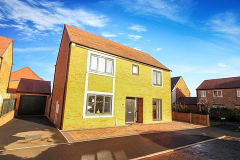 4 bedroom detached house for sale - Deleval Crescent, Shiremoor, Newcastle Upon Tyne