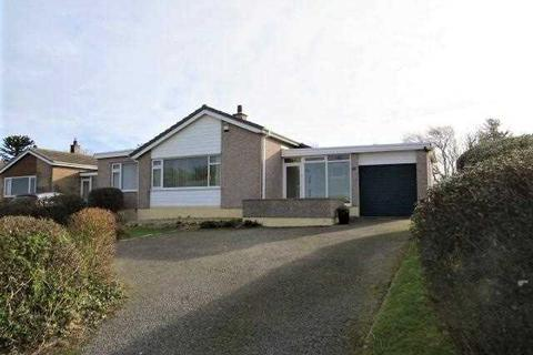 4 bedroom detached bungalow for sale - Gwelfor Estate, Cemaes Bay