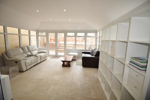 4 bedroom terraced house to rent - Weston View, Crookesmoor Student House, Sheffield S10 5BZ