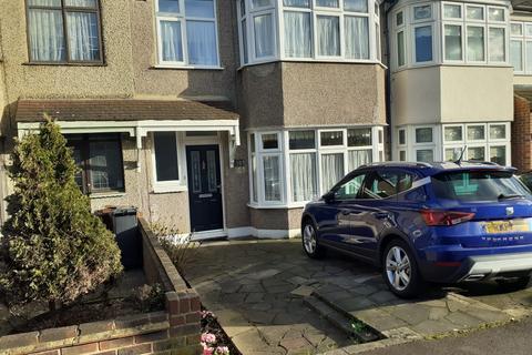 3 bedroom terraced house for sale - Gorseway, Rush Green, Romford RM7