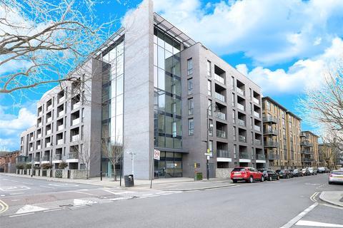 2 bedroom flat for sale - Spa Road, London, SE16