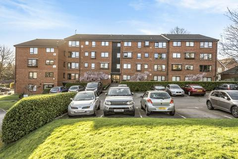 2 bedroom flat for sale - Whitehaven Close, Bromley