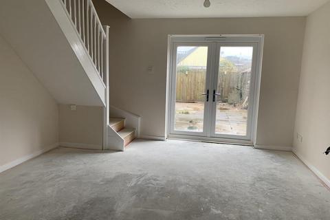 2 bedroom semi-detached house for sale - High Close, Nelson, Treharris