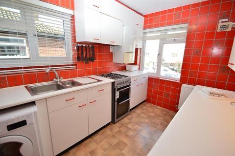 2 bedroom maisonette to rent - Bathurst Walk, Iver, SL0