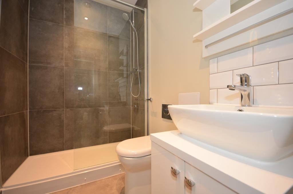Shower room 167