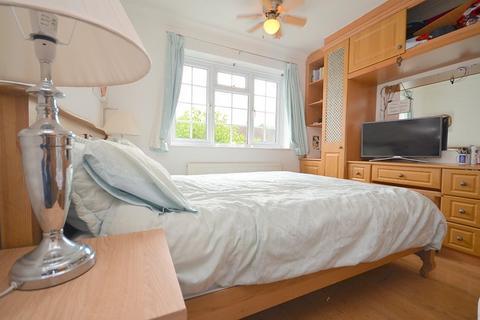 3 bedroom house to rent - Heron Way, Upminster, RM14