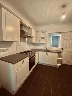 2 bedroom terraced house to rent - Montrose Street, HU8 7RU