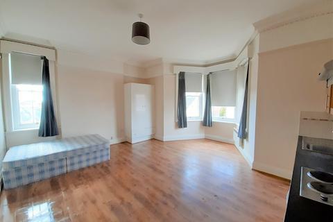 1 bedroom apartment to rent - Bank Flat