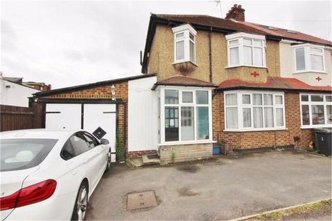 3 bedroom semi-detached house to rent - Grosvenor Road, Borehamwood, Hertfordshire