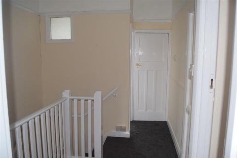 3 bedroom semi-detached house to rent - Queens Ave, Greenford