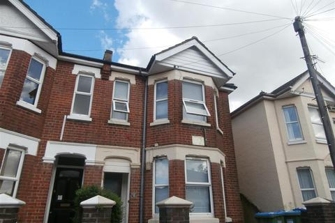 4 bedroom semi-detached house to rent - Newcombe Road, Southampton
