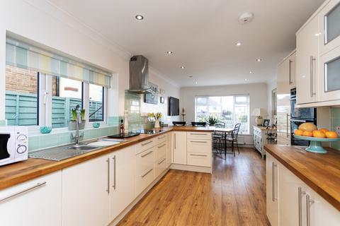 3 bedroom detached house for sale - 1361 Christchurch Road