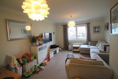 2 bedroom flat to rent - Abercrombie Gardens, Southampton