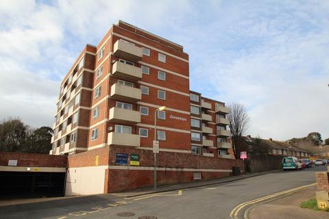 2 bedroom apartment to rent - Highlands Road, Portslade