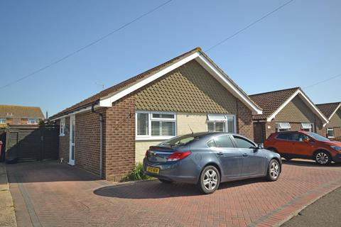 2 bedroom detached bungalow for sale - Coach House Close, Selsey, PO20