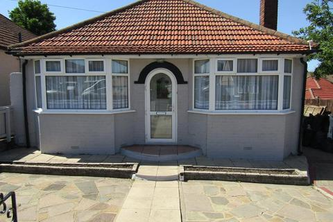 2 bedroom detached bungalow for sale - St Audrey Avenue, Bexleyheath, Kent, DA7 5DA