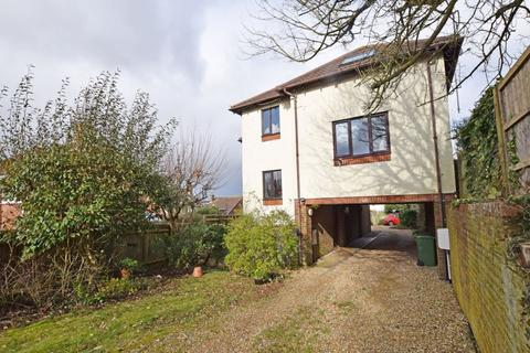 2 bedroom ground floor flat for sale - Mount Pleasant Road, Alton